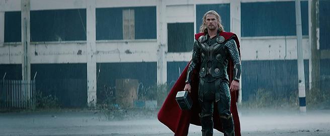 Thor-dark-world-hemsworth-stand