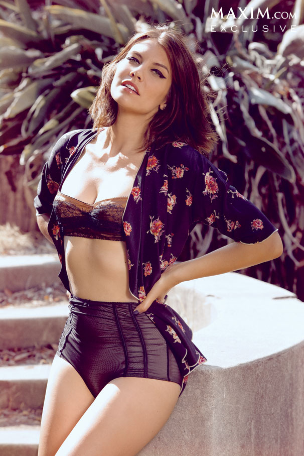 Lauren Cohan-Maxim-photoshoot-8