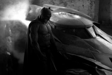 New-Batman-Uniform-and-Batmobile