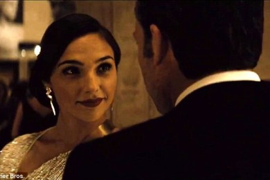 311A240300000578-3442796-Wonder_ful_chat_For_the_first_time_30_year_old_Gadot_speaks_not_-m-63_1455218752170