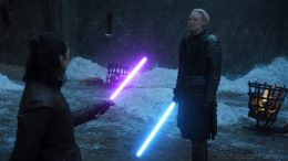 Star-Wars-Game-Of-Thrones-Arya-vs-brienne-lightsabers